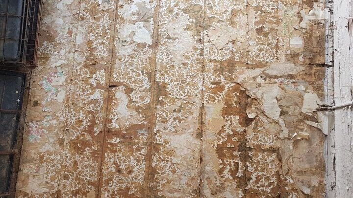 q dow do i preserve vintage wall paper and newspapers