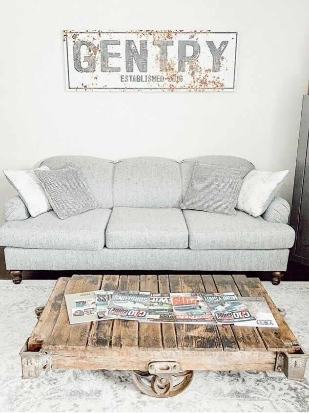 Here is a finished view of our coffee table!