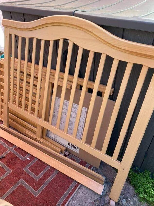 easy canvas rack using a crib