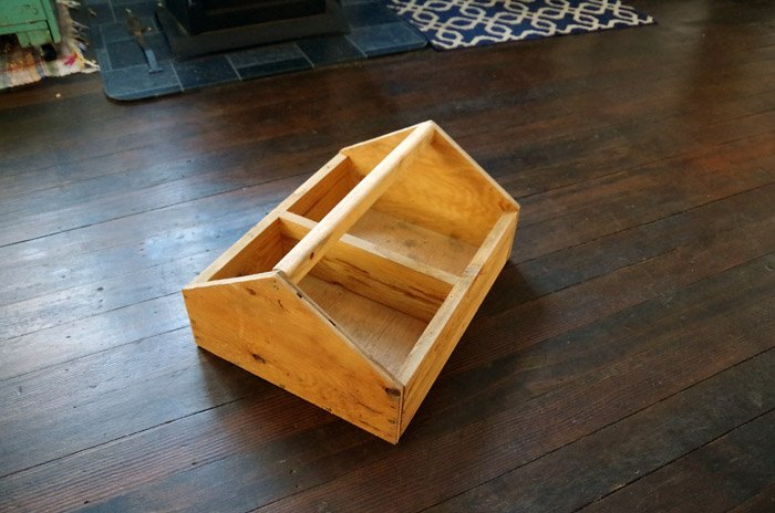 old gardener s toolbox upcycle bathroom storage and a towel bar
