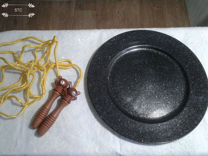 Skipping Rope and Charger Plate