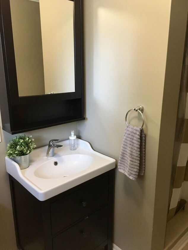 thrifty and budget friendly bathroom makeover