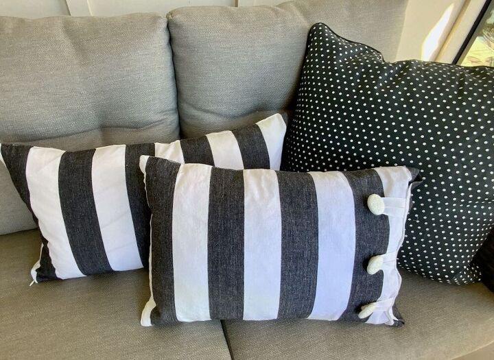 easiest way to make throw pillows from a table runner