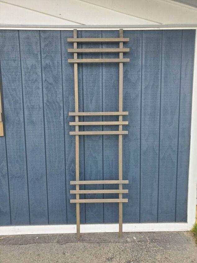 Easy Decorative Ladder Trellis