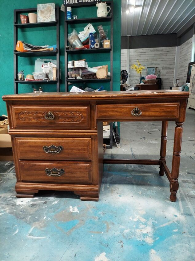 updated laminate desk, Before