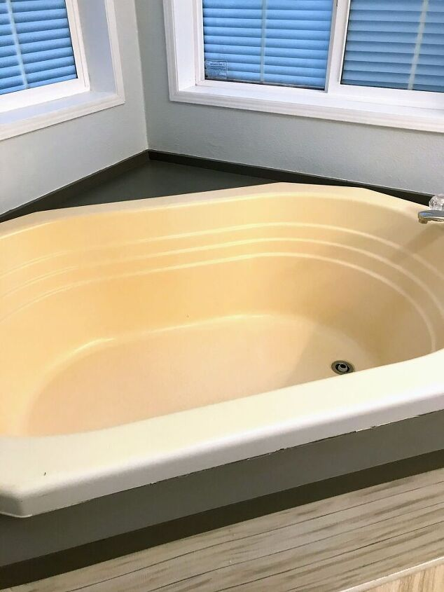 painting a fiberglass bathtub what you need to know, Fiberglass tub yellowed over time
