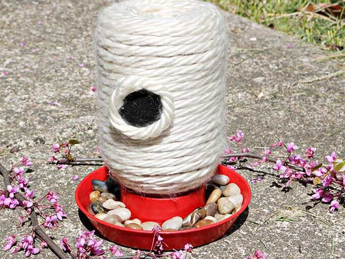 how to make a diy bee feeder