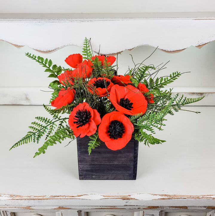 s 20 ways to add some red white and blue to your home this weekend, A lovely poppy arrangement