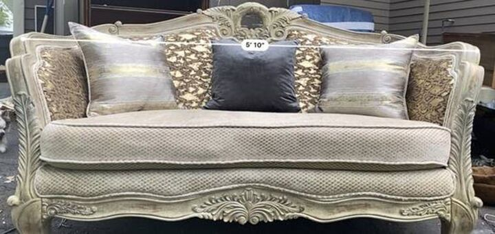 love thou couch, Original couch