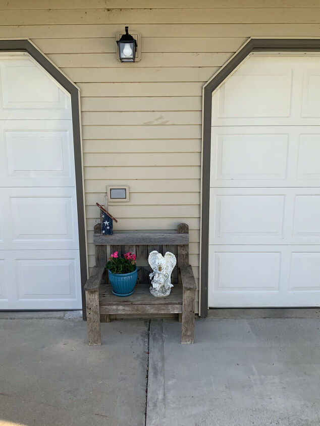 q outdoor display table