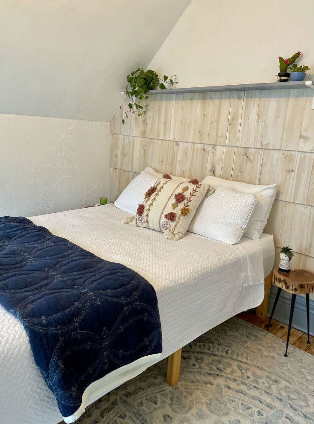how i used cedar shake as an cottage style accent wall