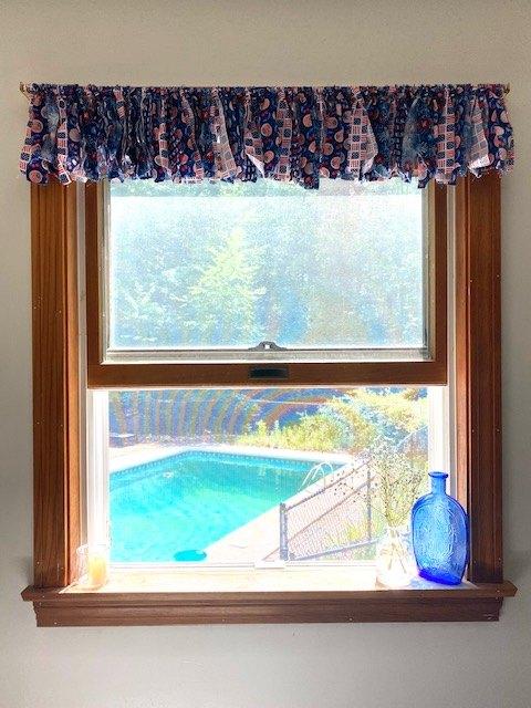 super simple patriotic window valence