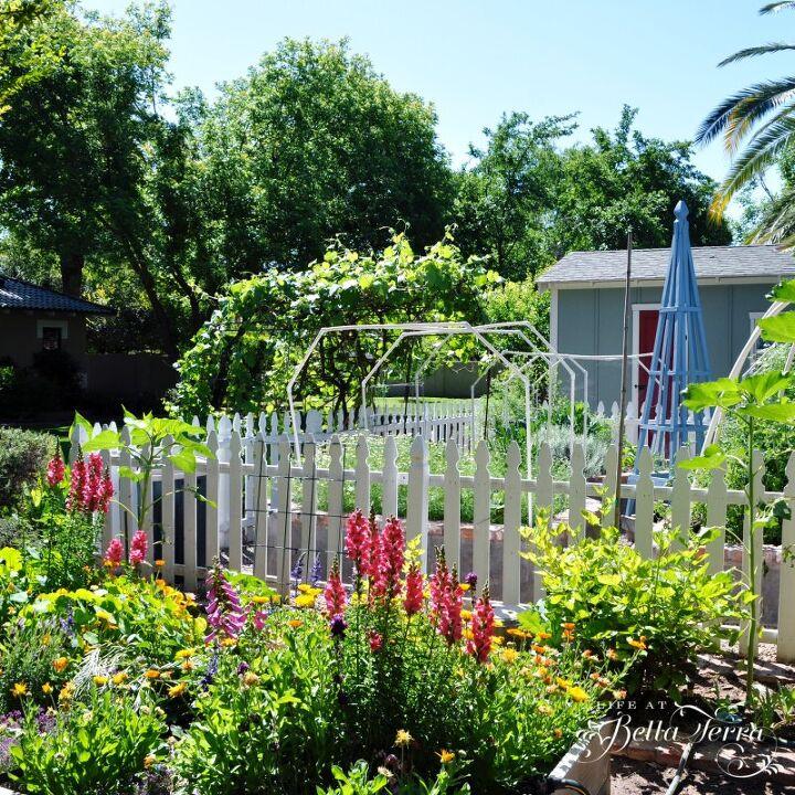 how to build a garden obelisk, French blue obelisk in my garden
