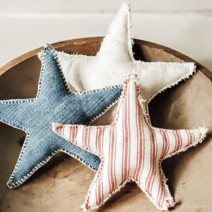 s 13 new patriotic decor ideas to add to your home this week, These sweet farmhouse fabric stars