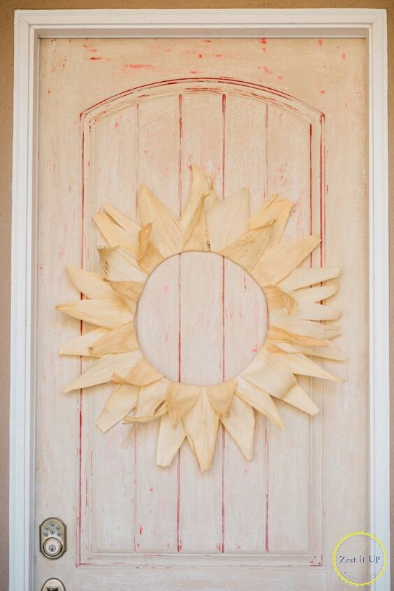 s 17 seriously cute summer wreaths we re excited to try, This sunny corn husk one