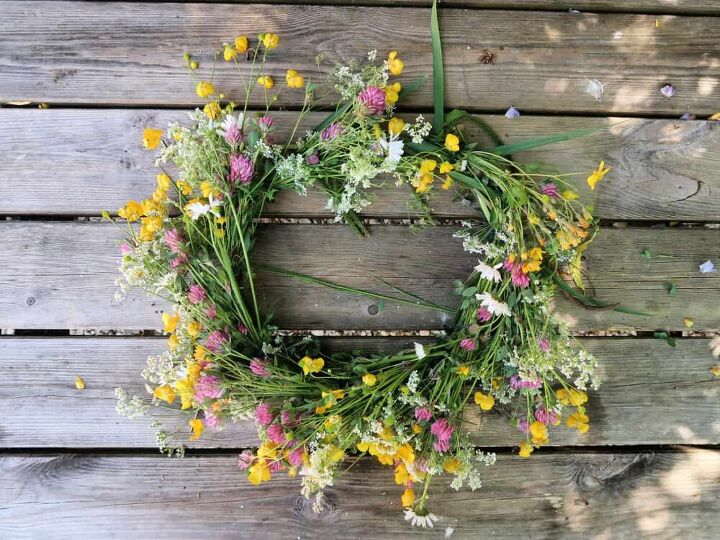 how to make a pretty wildflower wreath for free