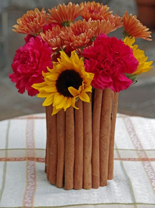 s 10 kinds of crazy things people are doing with cinnamon, Decorate a pretty vase
