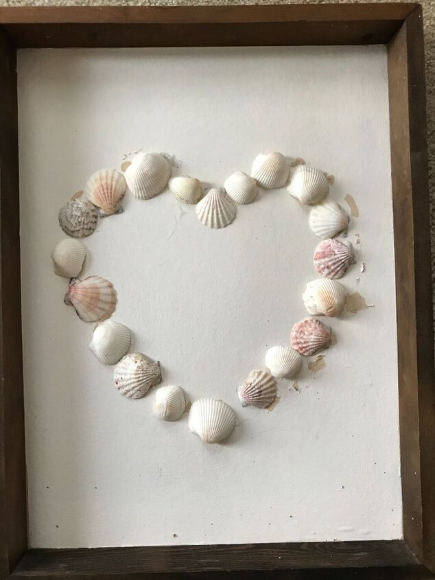 s 14 ways to use those shells rocks that you collected from the beach, This pretty shell art
