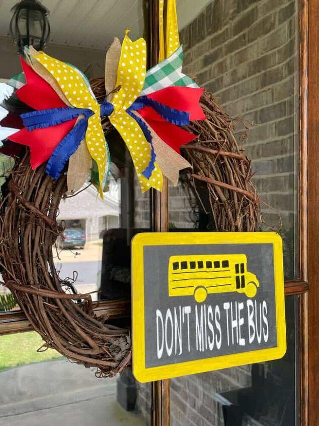 simple back to school wreath for your front door