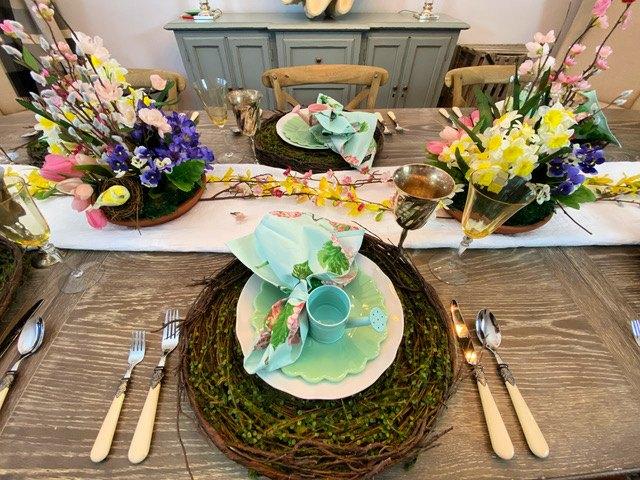 s 14 belles idées pour décorer pour n'importe quelle fête, Spring Garden Tablescape