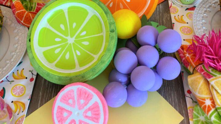 s 14 belles idées pour décorer pour toutes les fêtes, Tutti Fruitti Tablescape