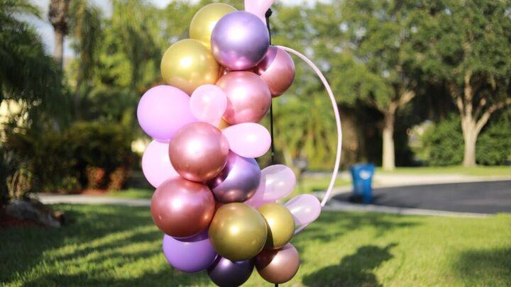 s 14 belles idées pour décorer pour n'importe quelle fête, couronne de ballons Hula Hoop