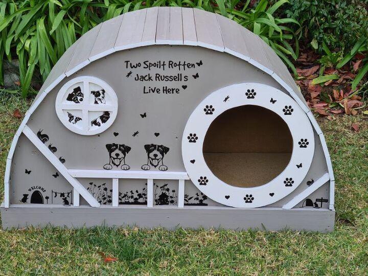 hobbit style dog house