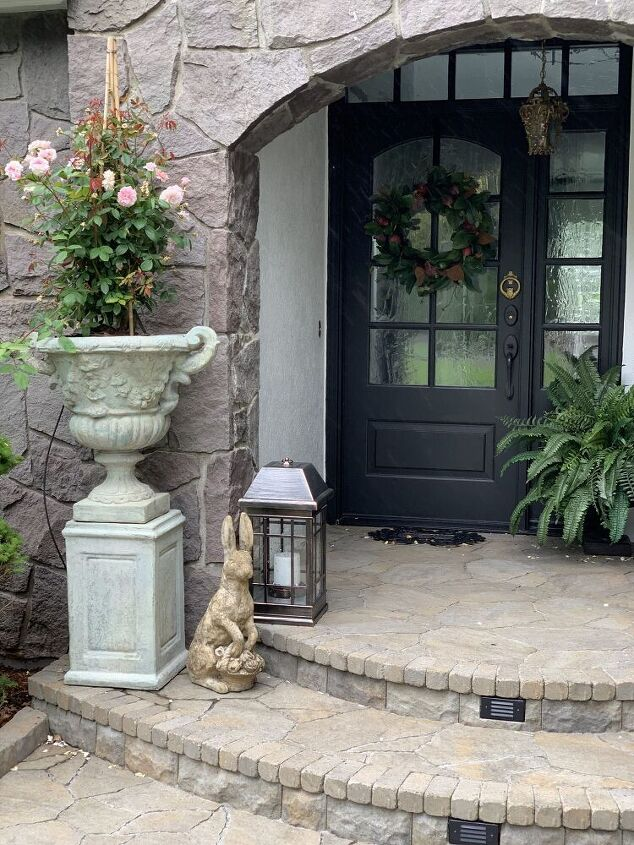 how to add antiquing to concrete urns