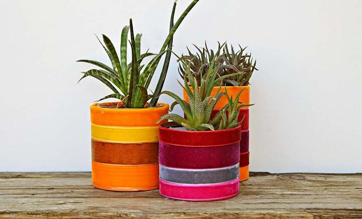 s 16 of the smartest ways to reuse empty tin cans, These bright velvet planters
