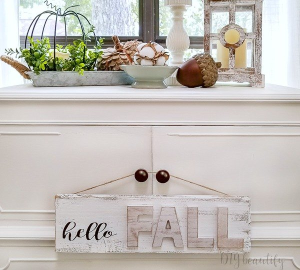 shabby farmhouse fall sign for 4