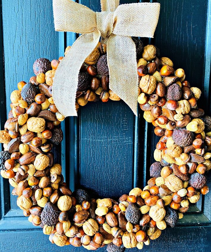 s 20 of the cutest and easiest ways to welcome fall, A gorgeous nutty wreath