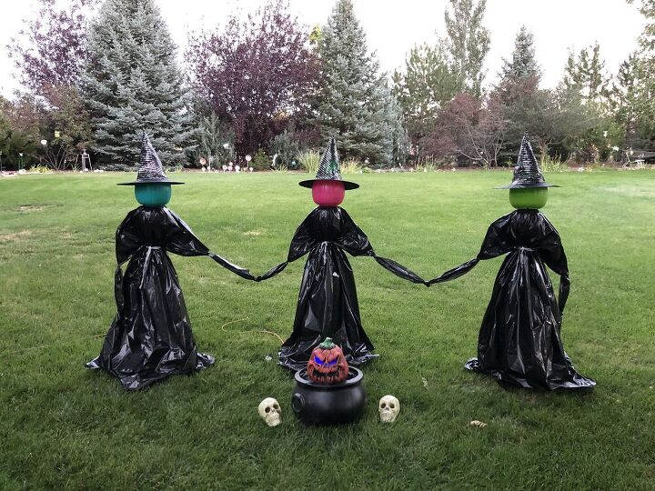 s 14 creepy cute halloween ideas to try this year, These frightening yard witches
