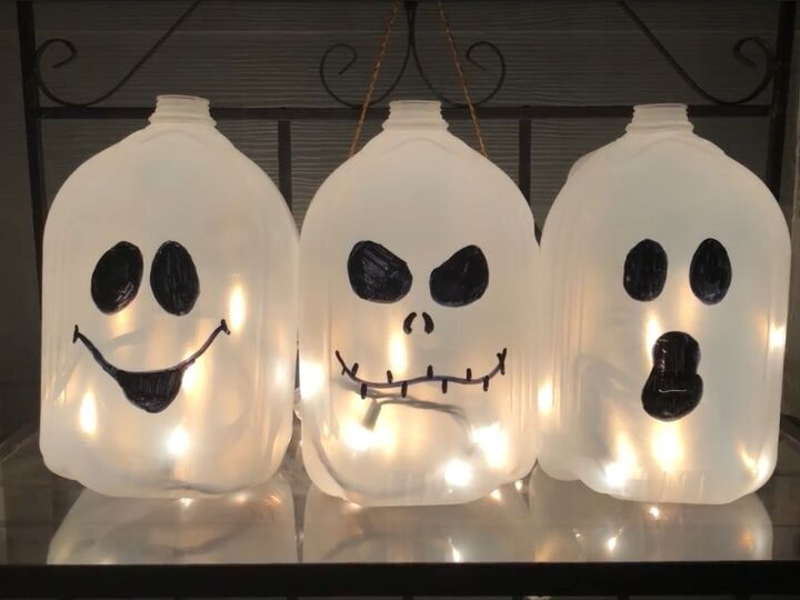 s 22 spooktacular halloween ideas to try this year, These spooky jug ghosts