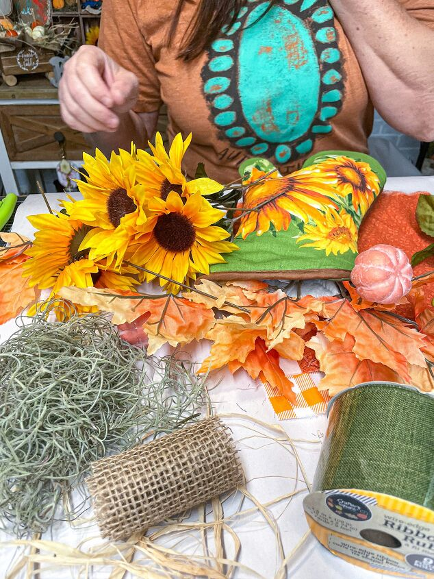 how to make a fall floral bouquet out of an oven mitt