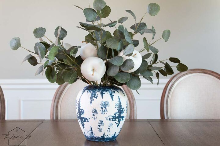 make this simple and easy faux apple centerpiece for your thanksgiving