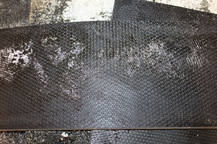 q what is this white stuff on the flooring mat