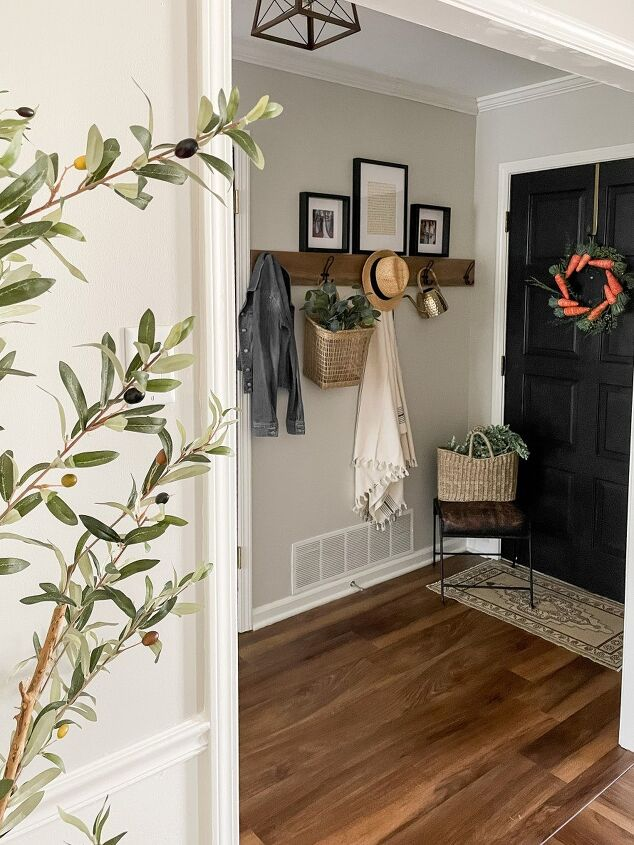 how to diy wooden entryway wall hooks