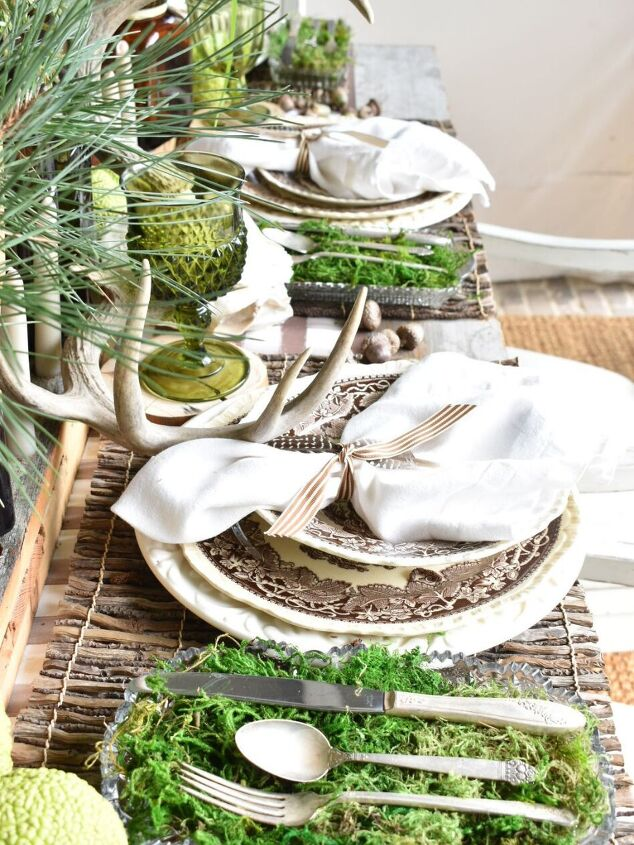 how to create a woodsy tablescape for fall