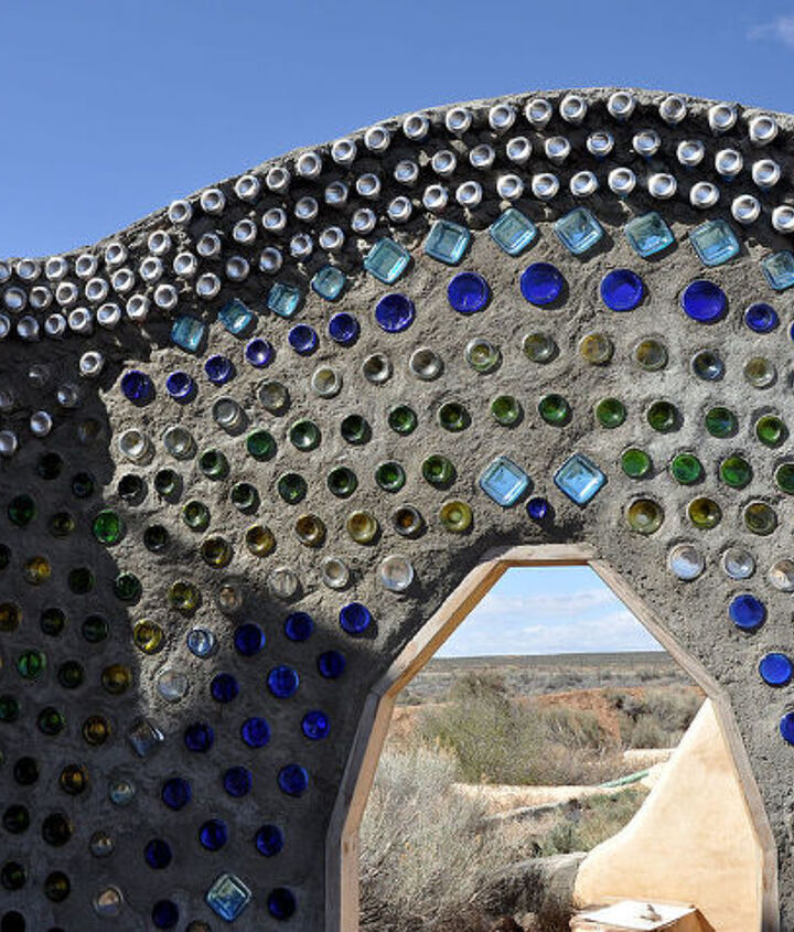 Bottles and mud are the materials used in this wall at an Earthship community in New Mexico. Photo: KMS Woodworks/Networx.com.