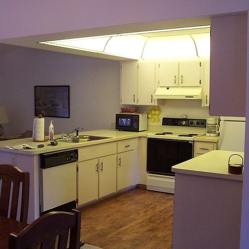 This is the before look of my kitchen...hated it.