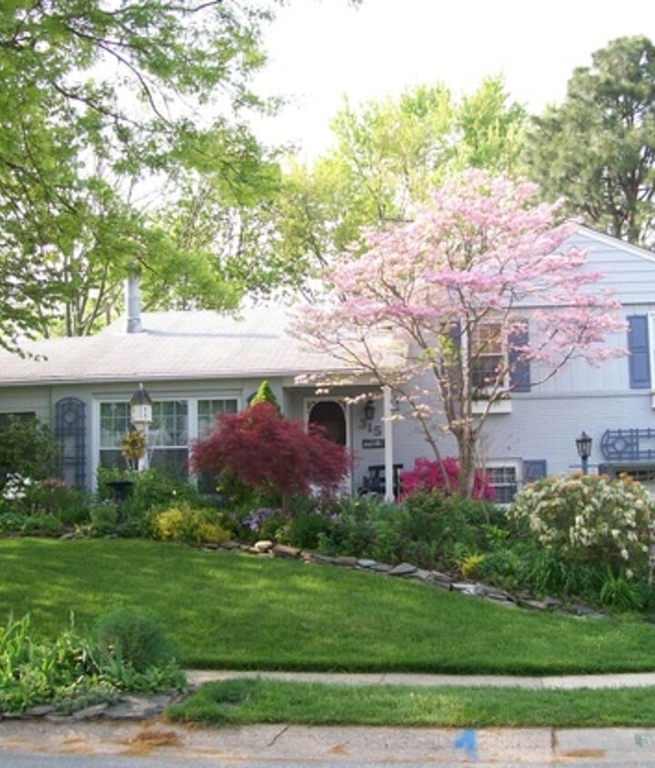 AFTER : our country cottage with lots of curb appeal