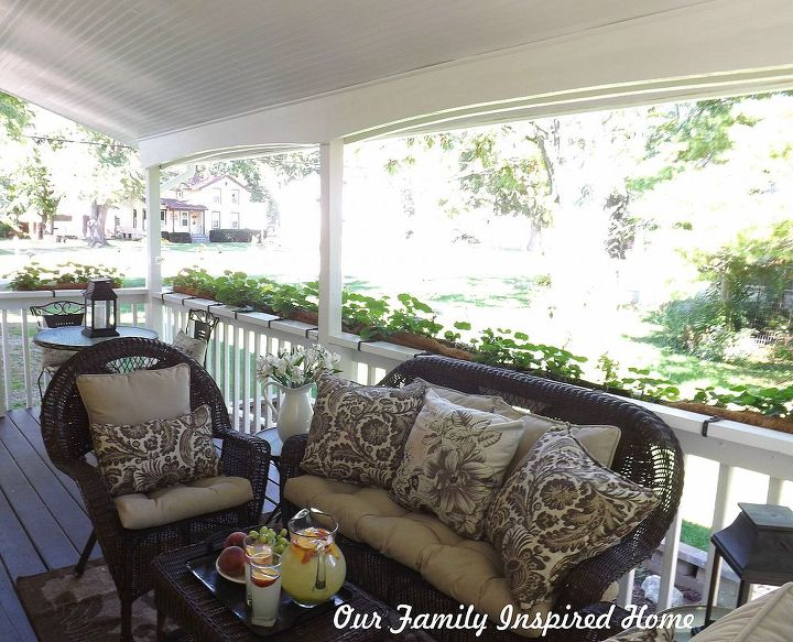 side porch furniture, curb appeal, outdoor furniture, outdoor living, painted furniture