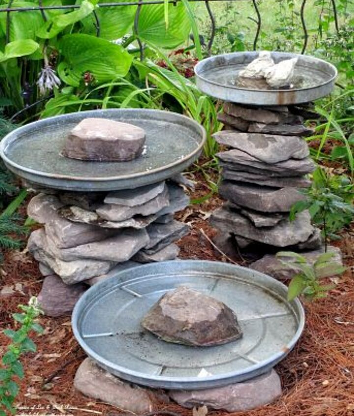 Stacked Stone Bird Baths see directions at http://ourfairfieldhomeandgarden.com/diy-project-stacked-stone-bird-baths/