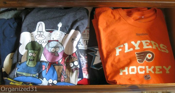 The t-shirt drawer before is not too bad, but there's no extra room and it's hard to see the shirts on the bottom of the pile.