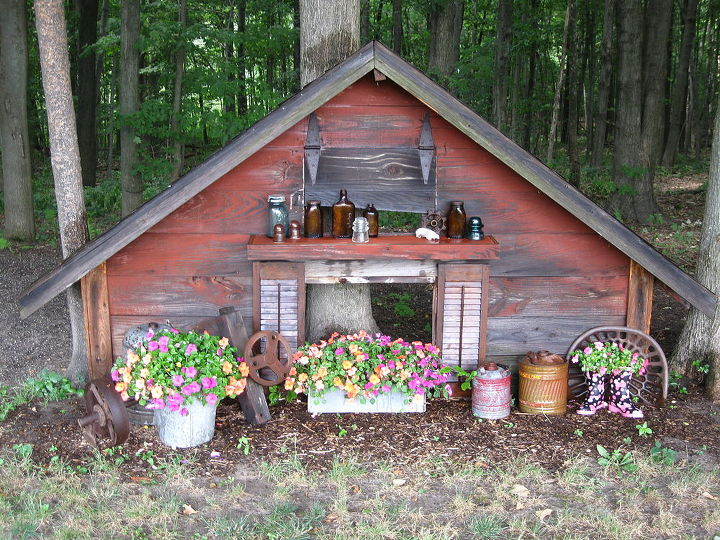 outdoor decorating and fun things, gardening, woodworking projects, Hog house decorating
