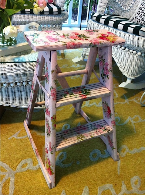 my painted and decal step stool, painted furniture, Roses Step stool