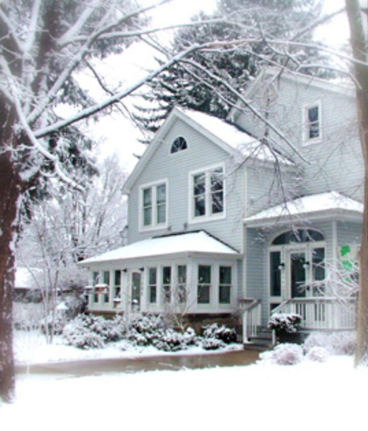 Winter is beautiful! But it can be tough on your home - and your bills! There are many things that should be checked or completed before the weather turns cold! http://bit.ly/9bb9pR