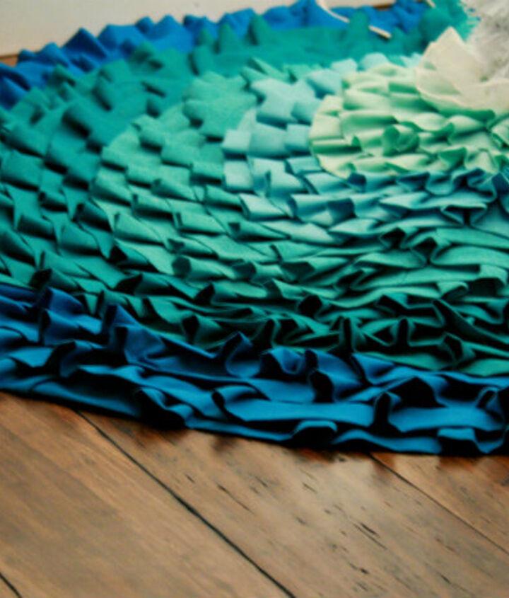 {no sew} ombre ruffled tree skirt