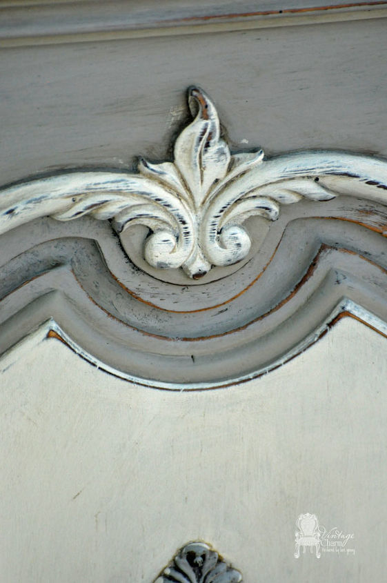 Maison Blanche Franciscan Grey, Hurricane, and custom mix of Magnolia and Baguette to create the off-white.