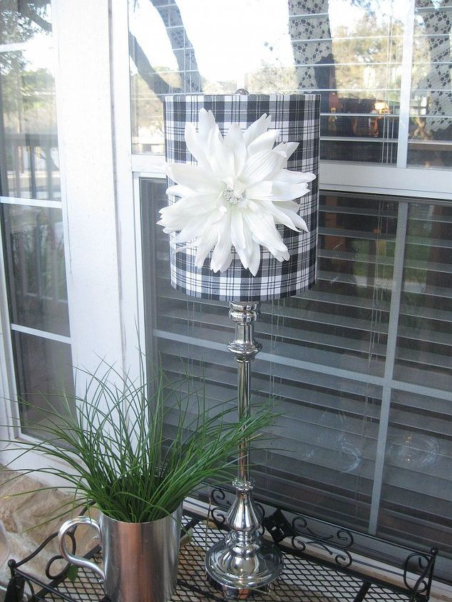 magnetic flowers on lampshades, crafts